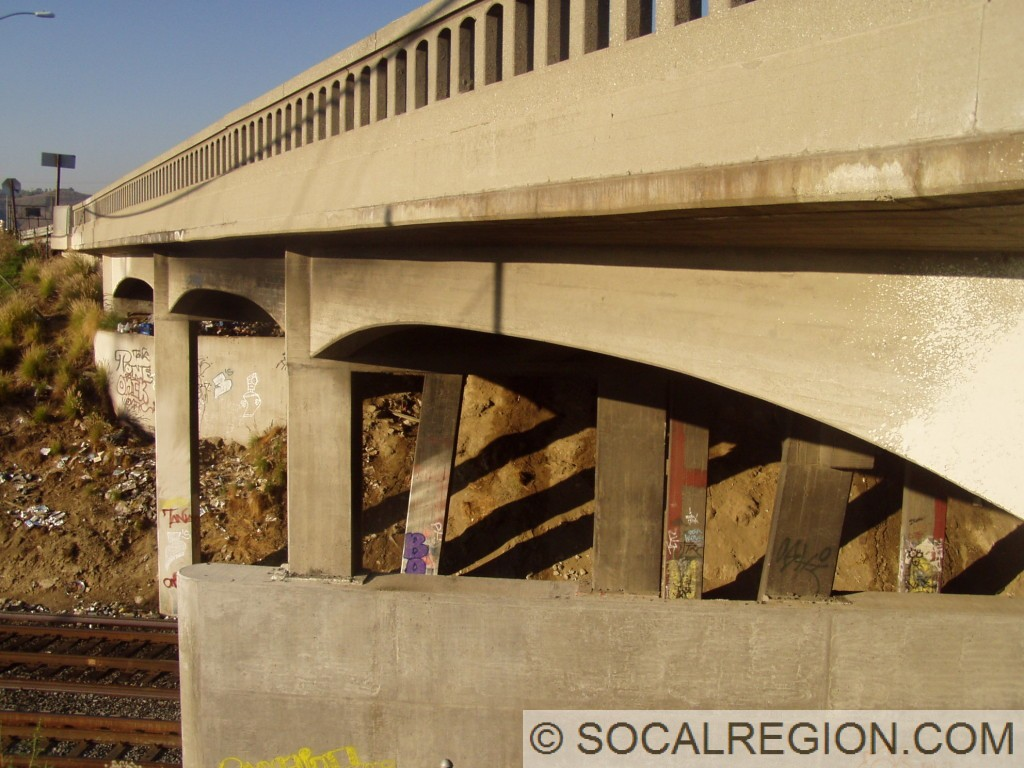 Side view of the 1939 bridge. Angled supports are from the 1926 bridge.