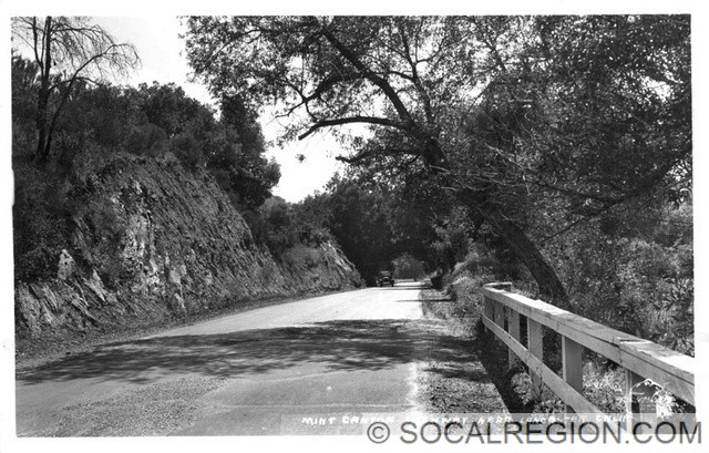 1927 view of Sierra Highway near The Oaks.