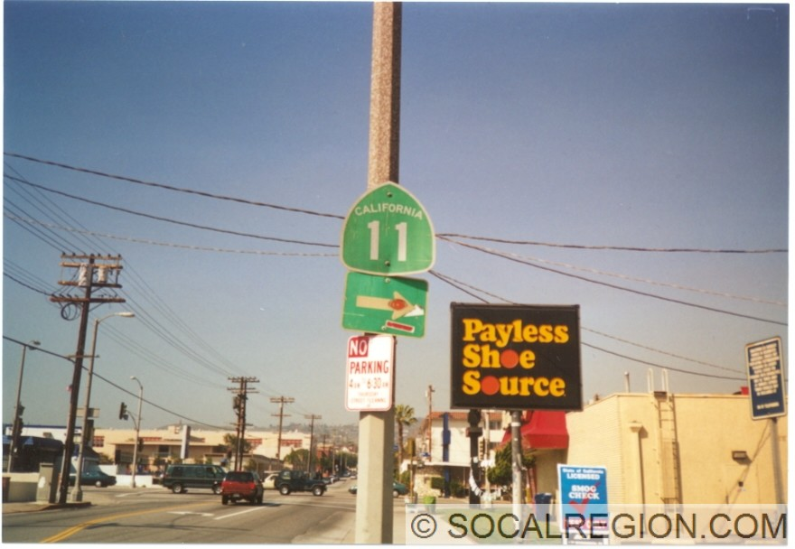 Signage at Gaffey St on 7th St. This has since been removed.