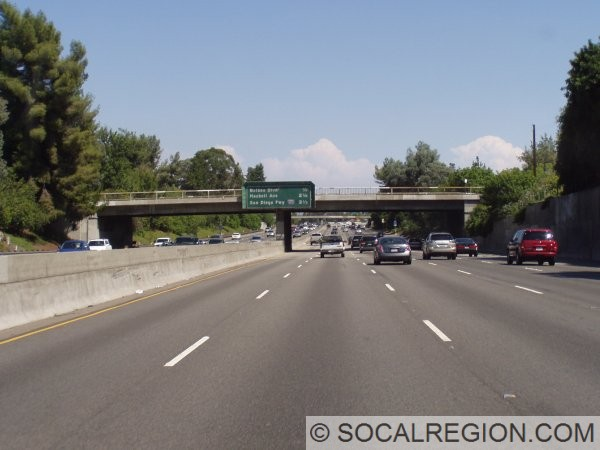 Approaching Balboa Blvd, southbound. This section is from the late 1950's, widened to ten lanes in the 1980's.