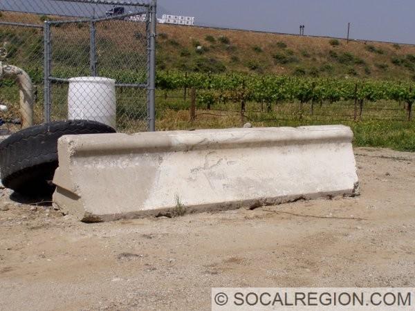 1946-concrete-barrier-section