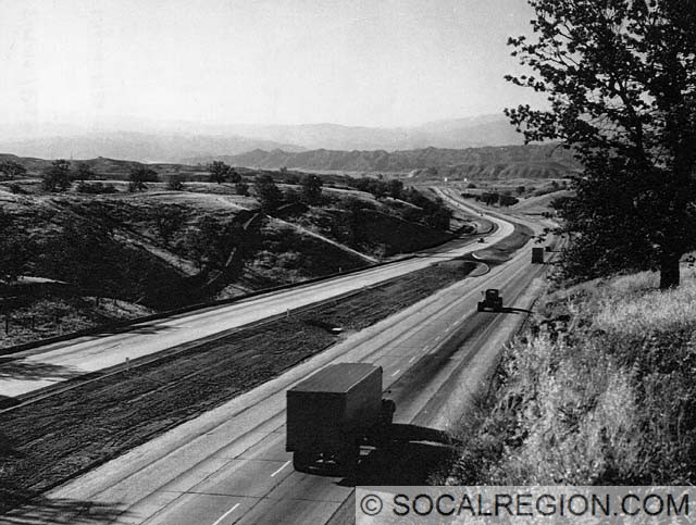 1949 view, looking north.