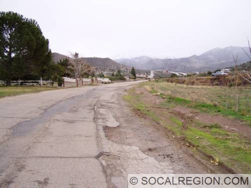 Alignment bypassed about 1951 by passing lanes just south of Santiago Road.