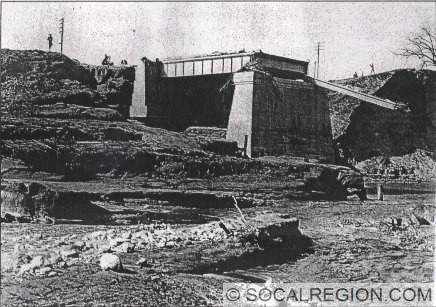 1916 bridge just after the St. Francis Dam collapsed.