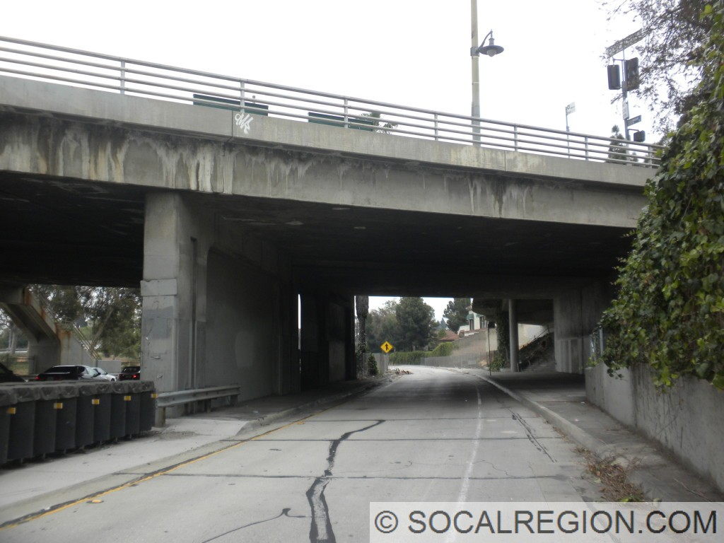 Current bus ramp at Vermont Ave. This was added in the 1970's. This would have carried the eastbound lanes of the Santa Monica Freeway as originally planned.